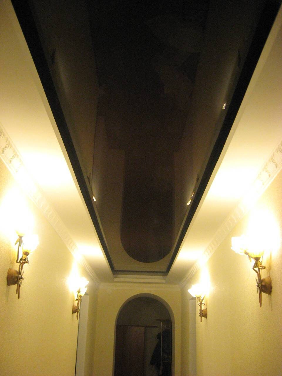 Свет на потолок